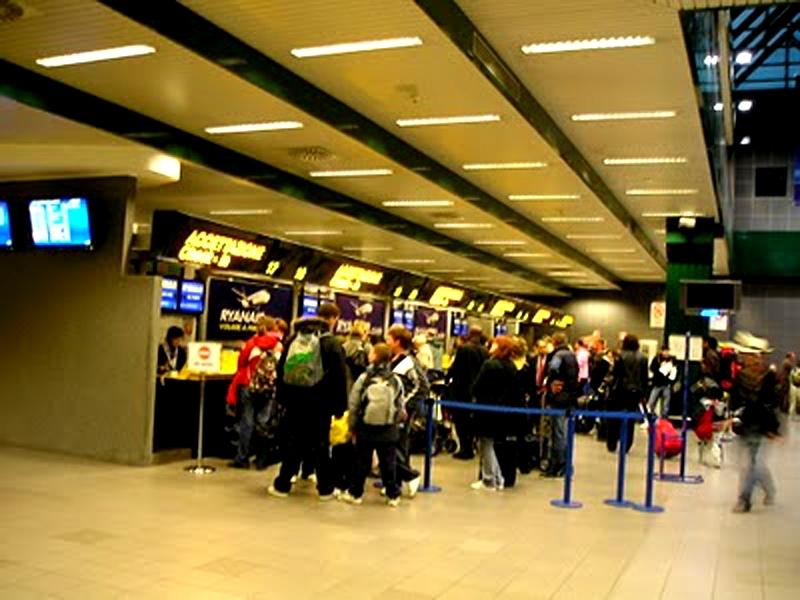 Aeroporto Galilei chiuso per una fuga di gas