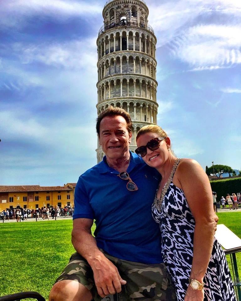 L'ignoranza di Schwarzenegger: va a Pisa e aggiusta la torre