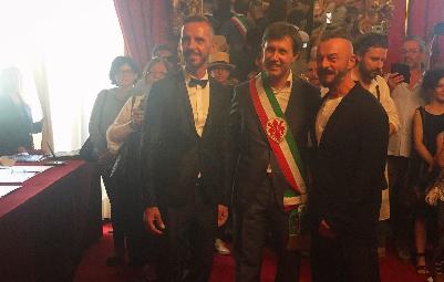 Celebrata a Palazzo Vecchio la prima unione civile di Firenze
