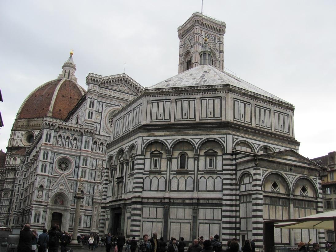 Firenze, il Battistero illuminato di blu nella giornata della lotta al diabete