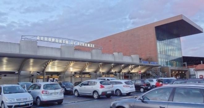 Aeroporto di Peretola: oltre 20 voli cancellati e dirottati per nebbia