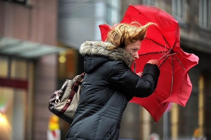 Allerta meteo arancione, pioggia e vento forte