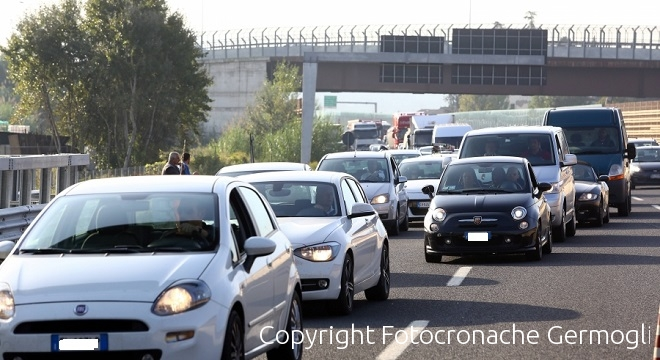 Doppio incidente in A1 nel fiorentino, code a Scandicci e Incisa