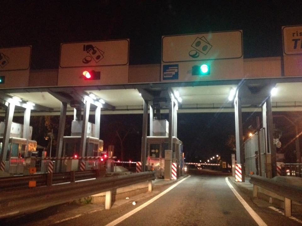 Autostrada A1 chiusa all'altezza di Magliano Sabina per un incidente
