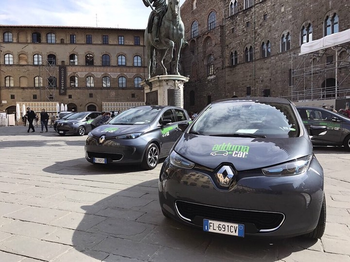 Renault punta al car sharing elettrico con Adduma Car