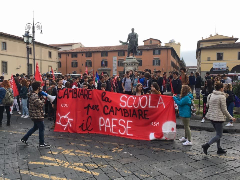 Cambiamo la scuola per cambiare il Paese: studenti in piazza anche a FirenzeHome Page 13/10/2017     Mobilitazione degli studenti