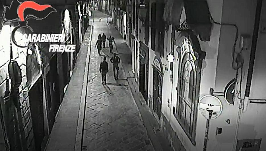 Firenze: 9 persone rapinate in una notte, presa gang di nordafricani