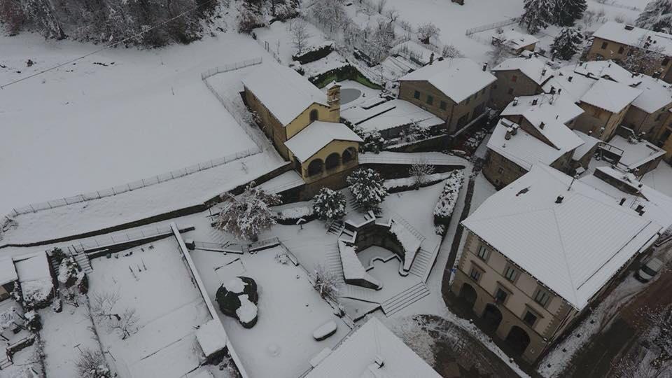 Meteo: neve sull'A1 e in Alto Mugello
