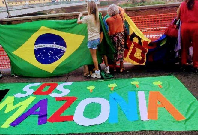 Sos Amazzonia, Fridays For Future Firenze in mobilitazione: ritrovo al consolato brasiliano