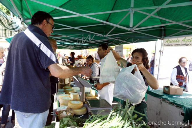 a59bb02bfc Il mercato contadino di Greve in Chianti - 055Firenze