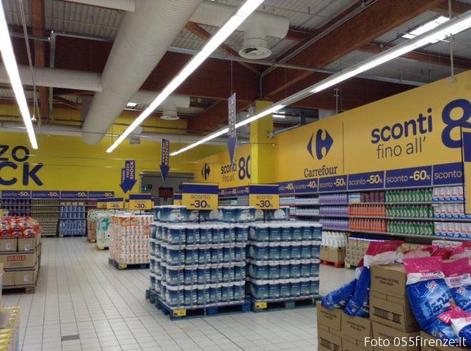 Sconti fino all\'80%, apre il primo Outlet di Carrefour [FOTO ...